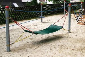 Rubber hammock, for steel posts
